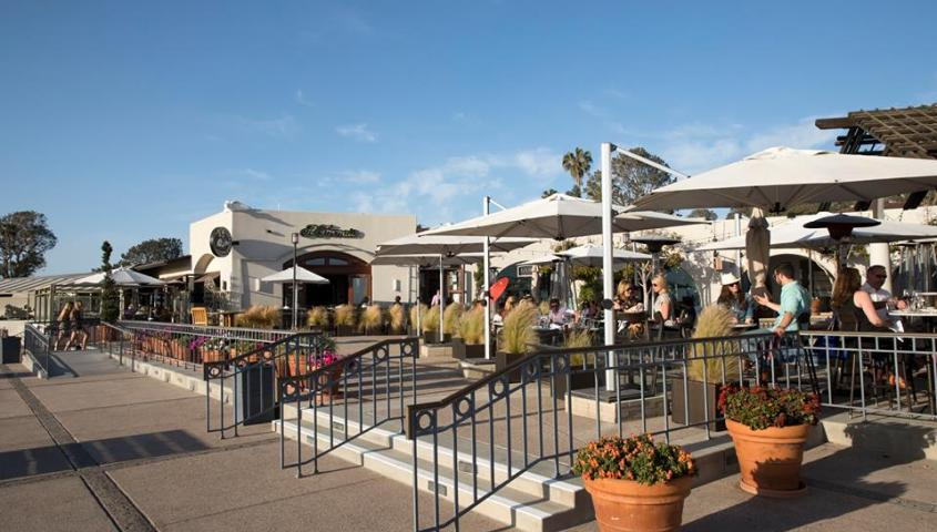del mar plaza _ acoustic spot talent